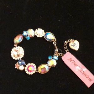 New Betsey Johnson multi stone bracelet